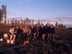 Die Teilnehmer am Lagefeuer
